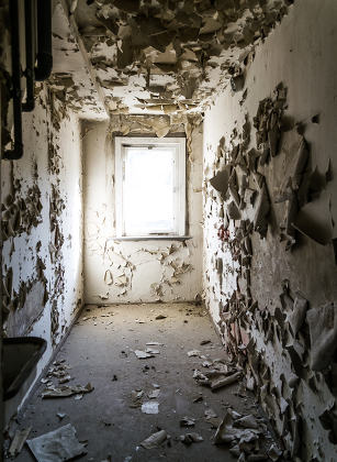 dilapidated rooms