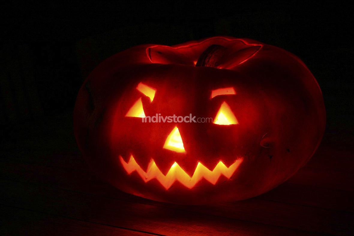 A glowing pumpkin for a scary halloween