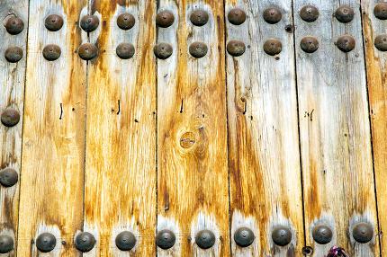 brown  morocco in  rusty safe padlock