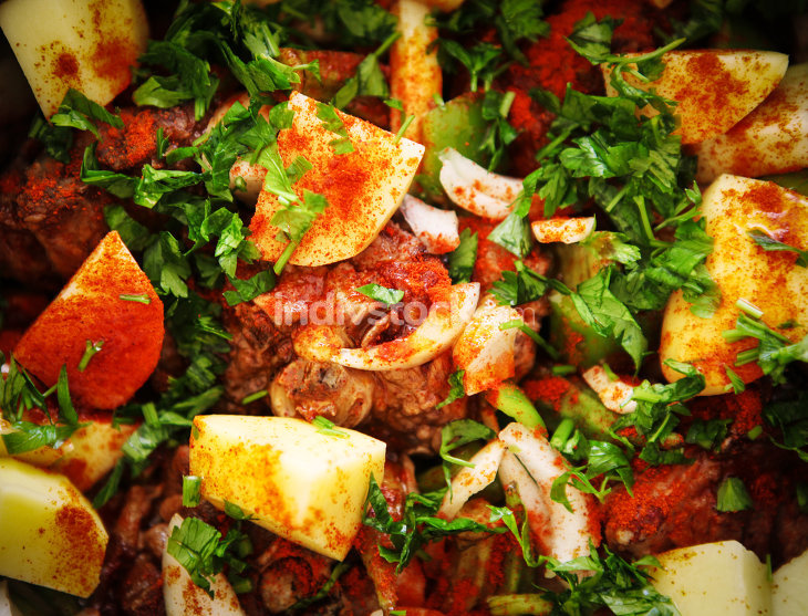 A mutton stew with mixed vegetables