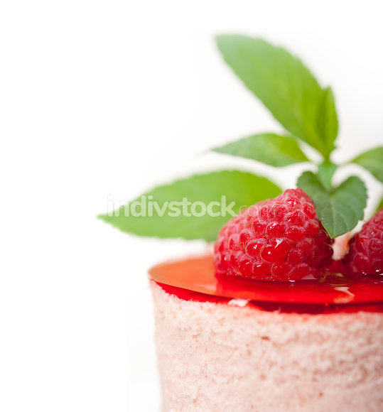 fresh raspberry cake mousse dessert