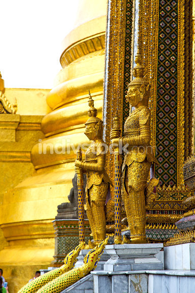 pavement gold    temple   in     incision of the