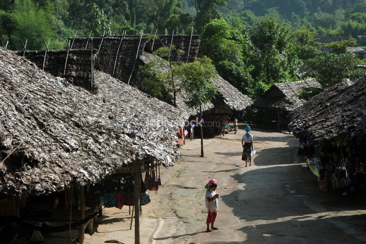 ASIA THAILAND CHIANG MAI WOMEN LONGNECK