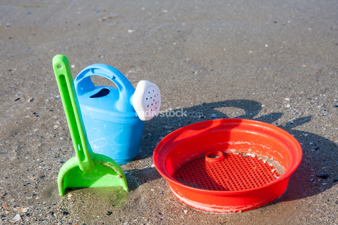 free download: beach toys in the sand and sea