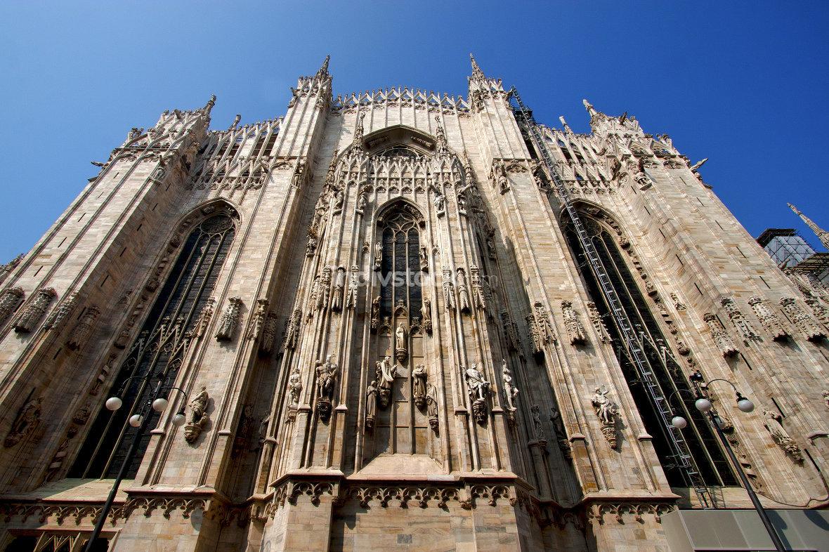 spire    in milan  column