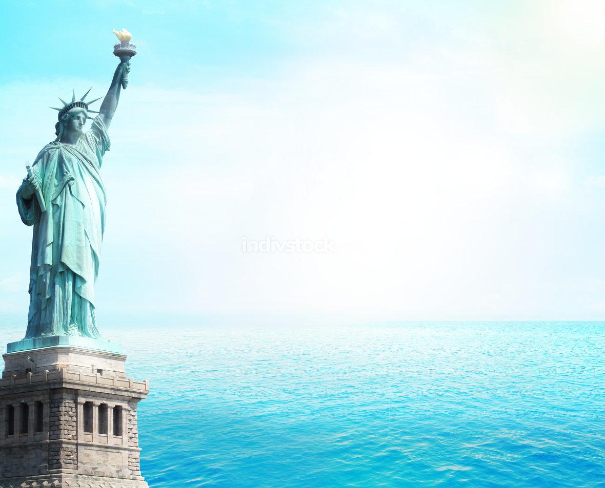 statue of liberty ocean open water