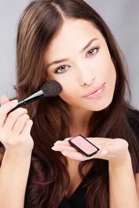 make up with powder brush