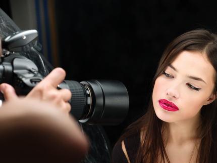 model on photo shoting in studio