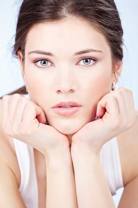 pretty brunette blue eyes woman