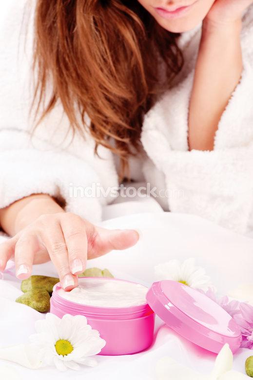 taking skin creame