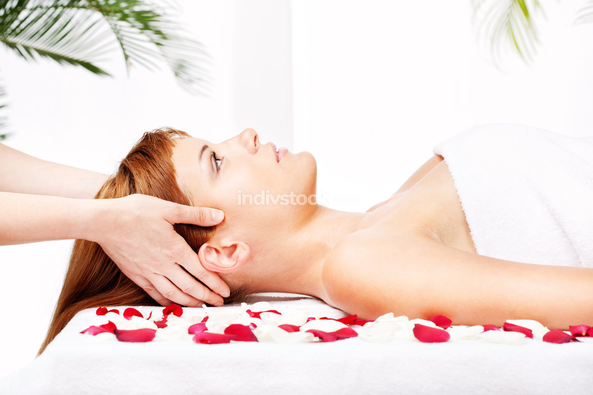 head and temple massage