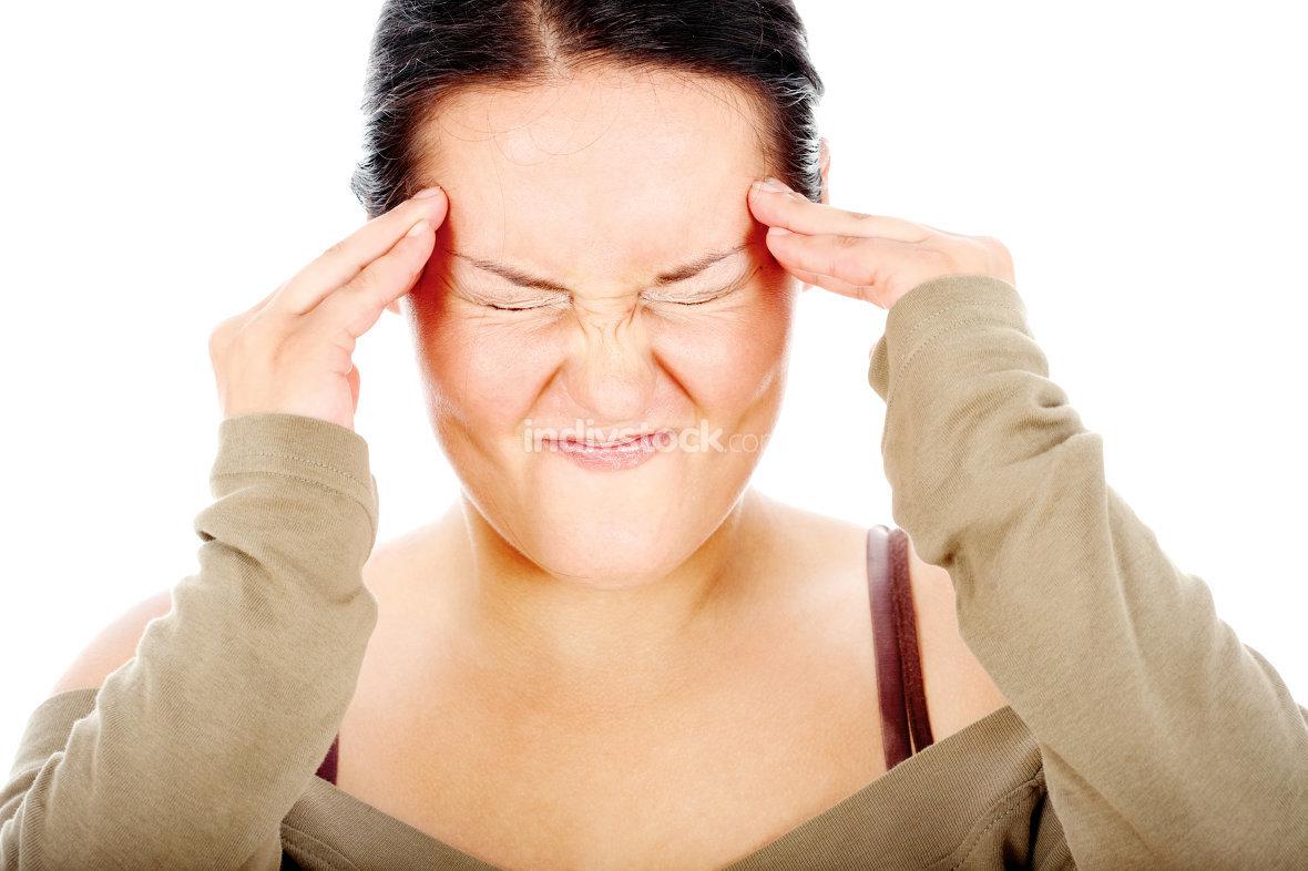 chubby woman have headache