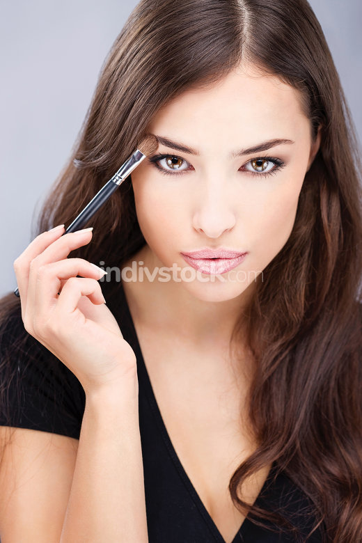 make up with brush