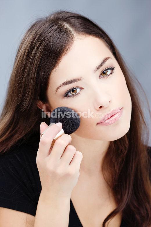 makeup with powder brush