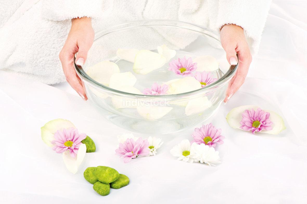 Preparing petal bath