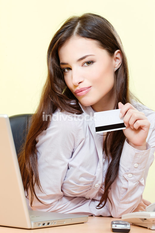 woman can on line shopping