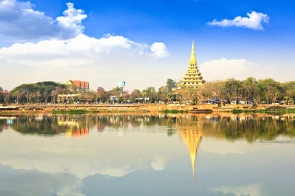 Reflection of Phra Mahathat Kaen Nakhon, Khon Kaen, Thailand