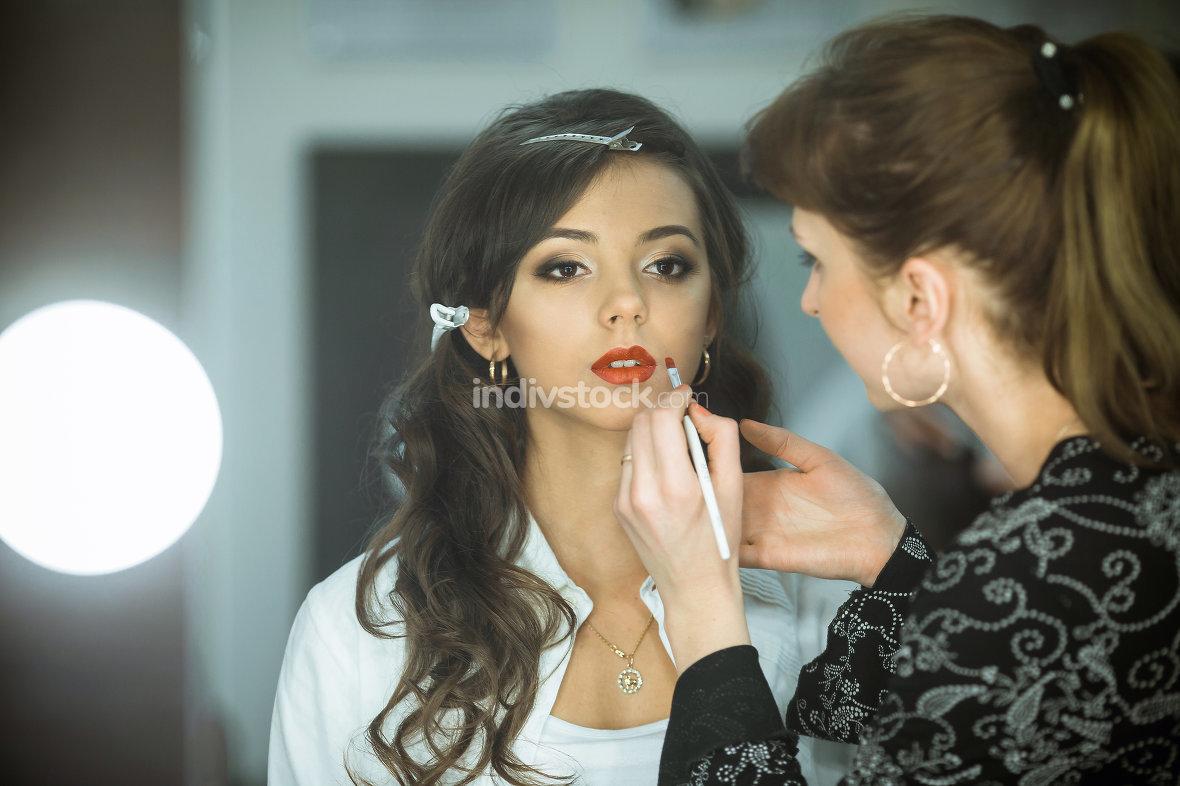 makeup artist an pretty model