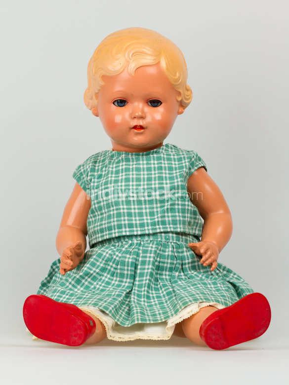 Very old baby doll (1940s)