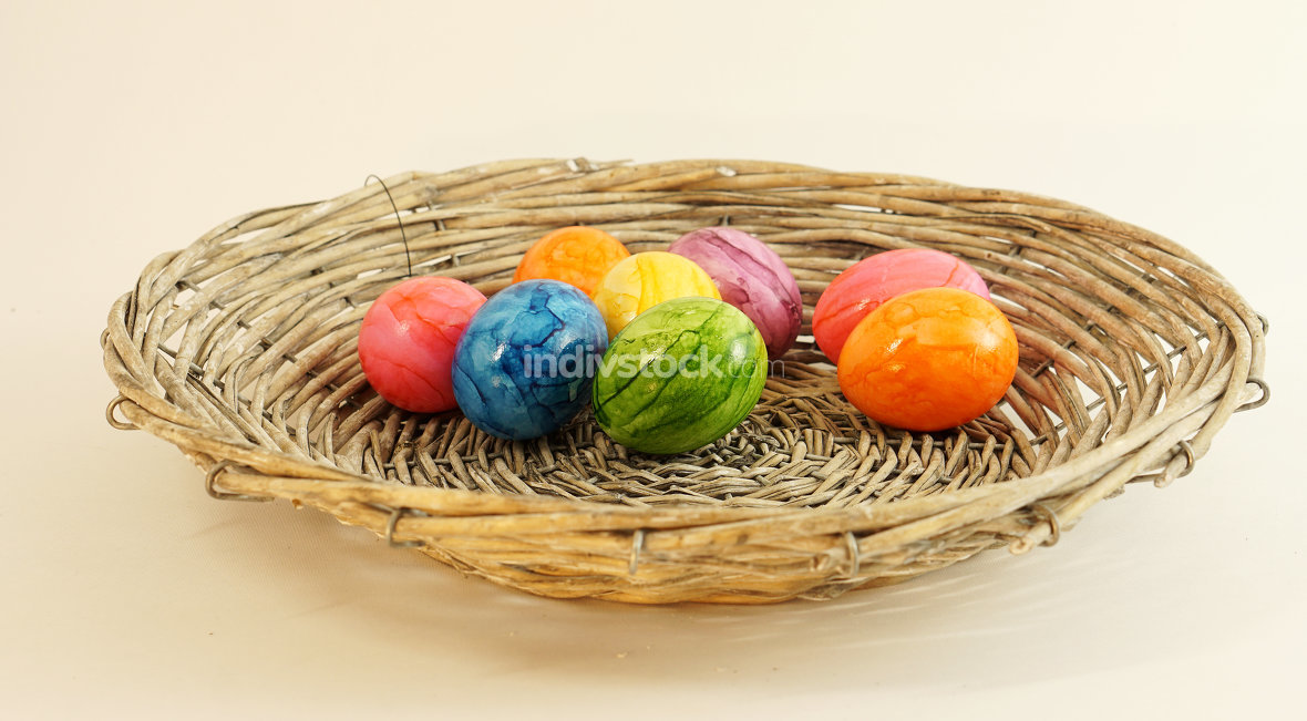 free download: colorful easter eggs in basket