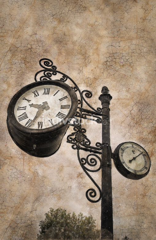 free download: Old clock in a city