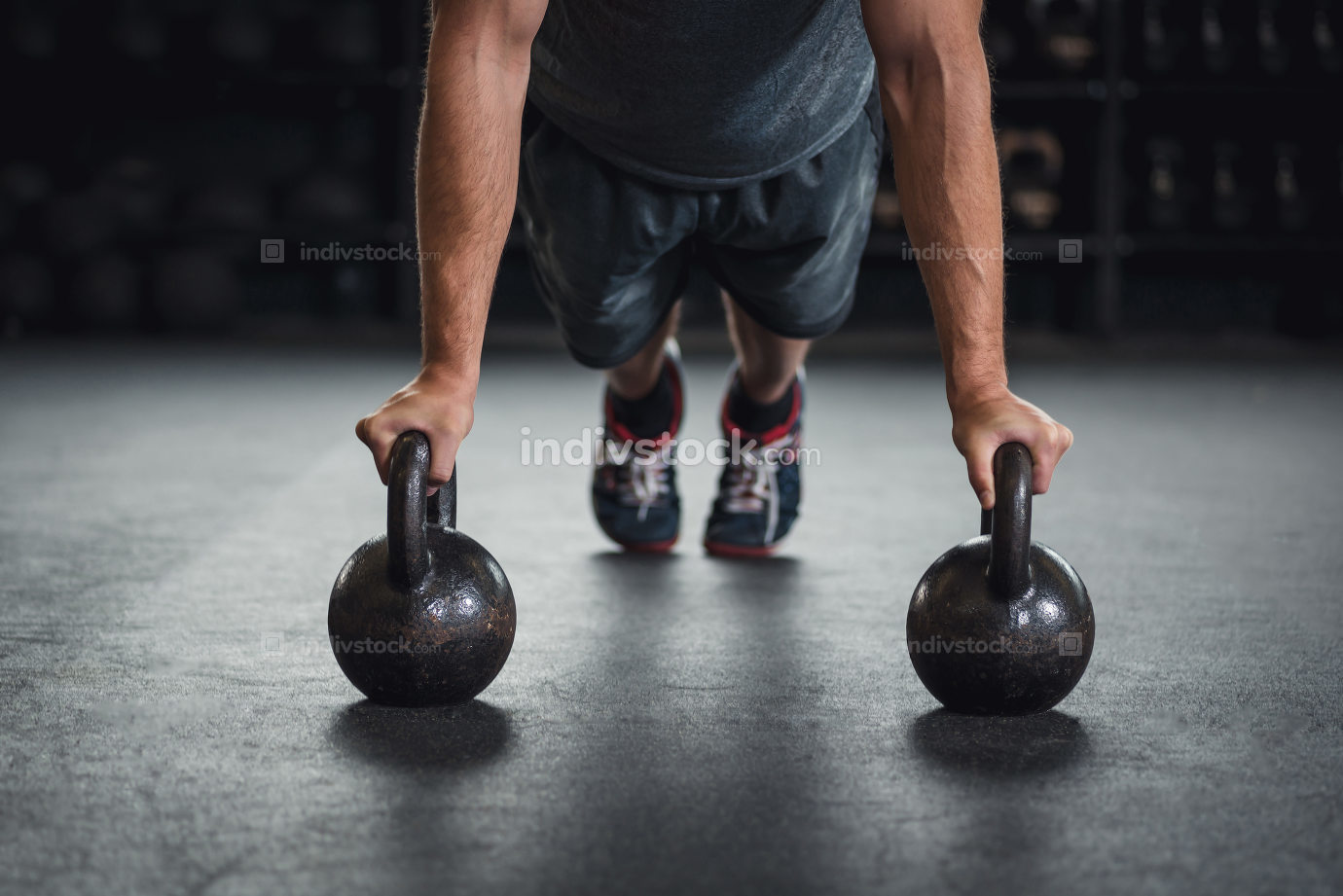 Kettle bell push up