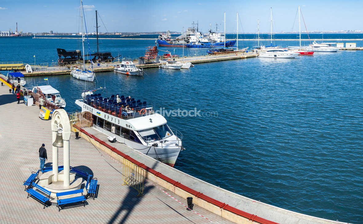 Private yachts in Odessa seaport 04.20.2019