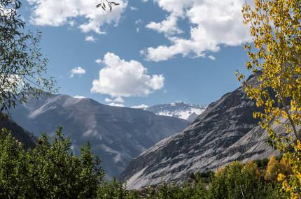 Himalayas hiking trails Panoramic Himalayas Highland