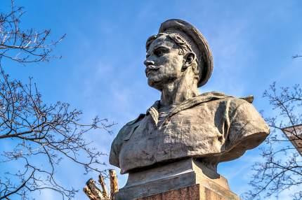 Monument to Vakulenchuk on the Customs square in Odessa, Ukraine