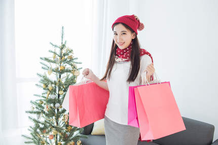 Girl go shopping Merry Christmas
