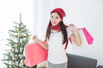 Girl go shopping Merry Christmas