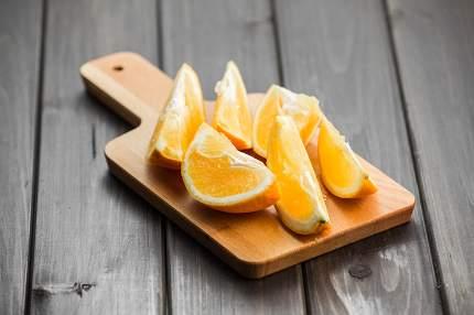 Oranges isolated cut set