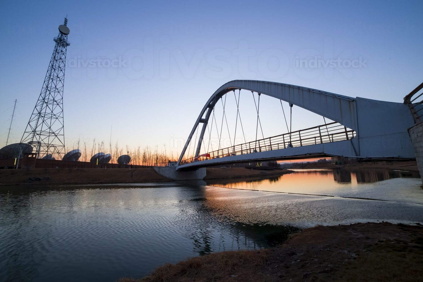 a bridge in a park in Beijing.