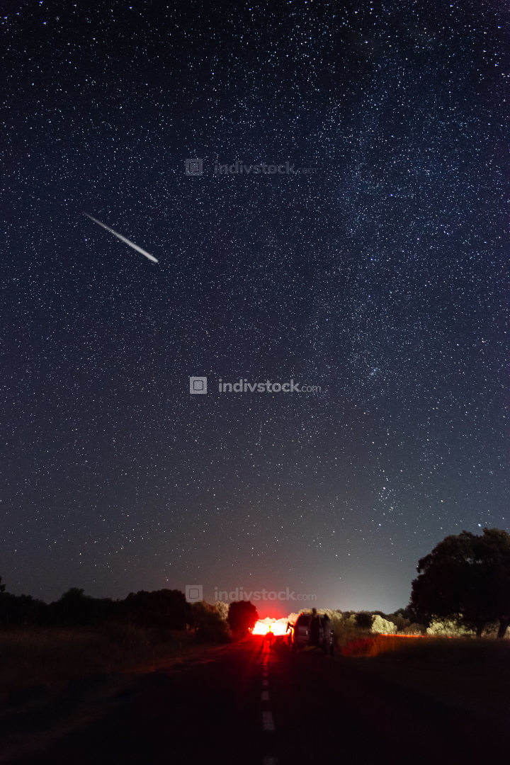 perseids in the pasture of extremadura 2020