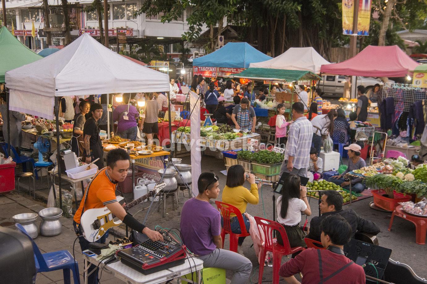 THAILAND CHIANG SAEN MEKONG NIGHT MARKET