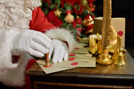 Santa Claus Seal Letter For New Year