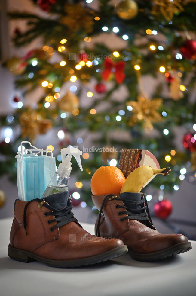 Christmas Gift St Nicholas Shoes presents
