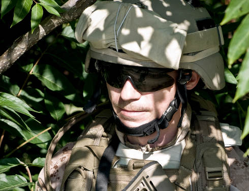 american soldier in the jungle