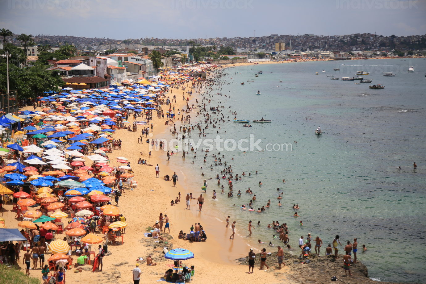 salvador, bahia Brazil, january 1, 2020,maritime procession by the bay of all saints,people are seen at Boa Viagem Beach in Salvador city